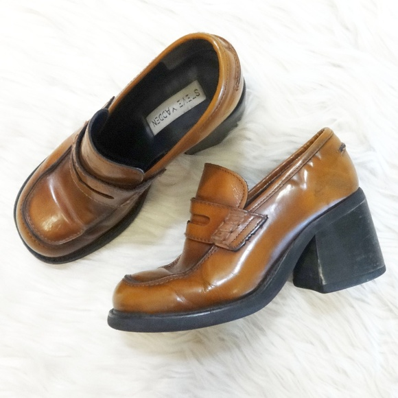 6c5c3ad4195 Steve Madden Vintage 90 s Chunky Penny Loafers. M 5b114d639519963e63455b1a